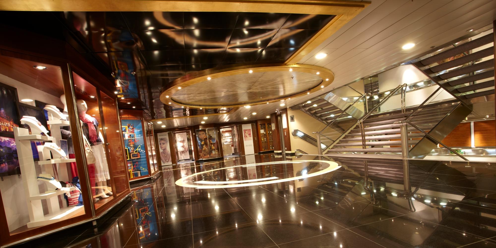 Top Image Saga Cruise Ship 038