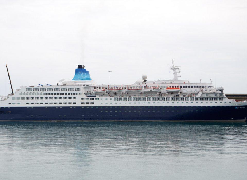 cruise-ship-10-960×700