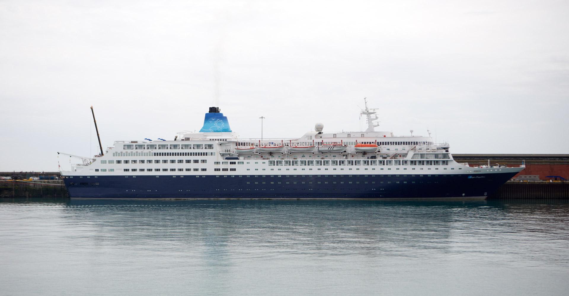 cruise-ship-10
