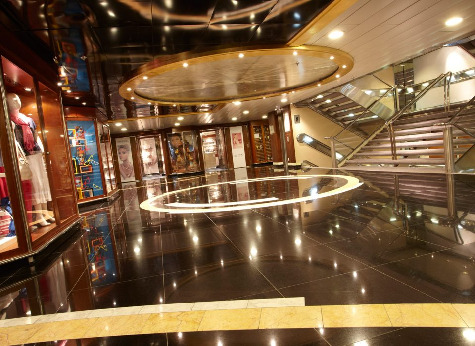 cruise-ship-8-960×700