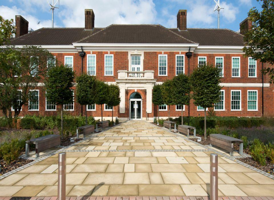 government-office-weybridge-1-960×700