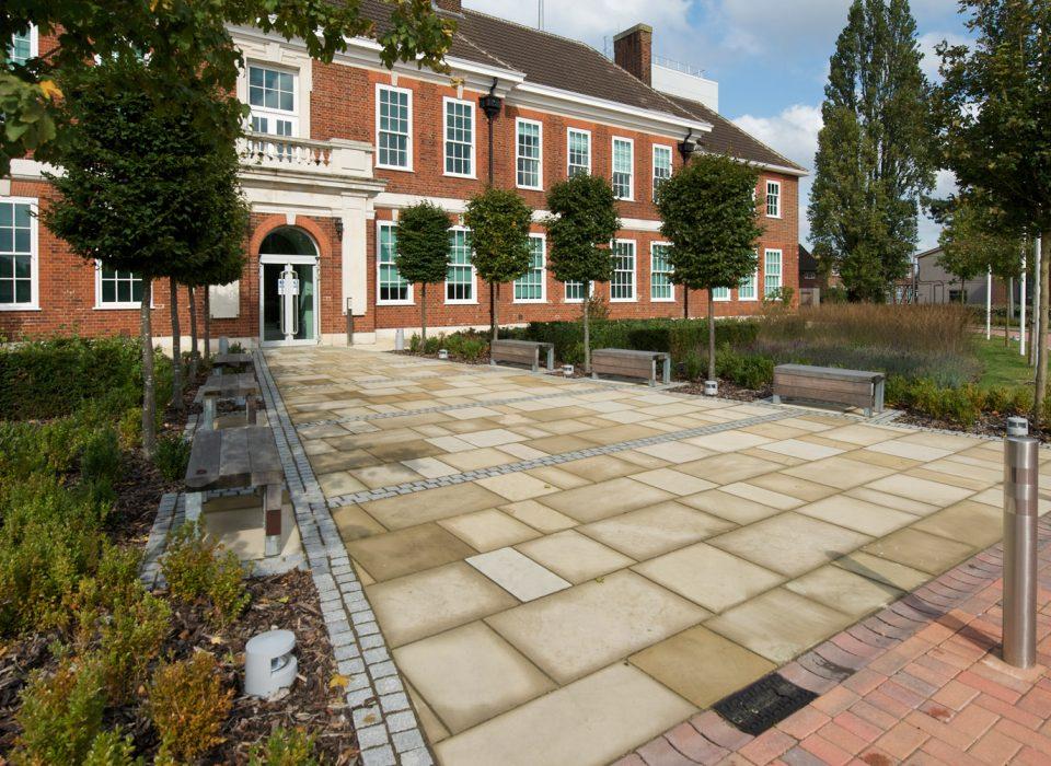government-office-weybridge-7-960×700
