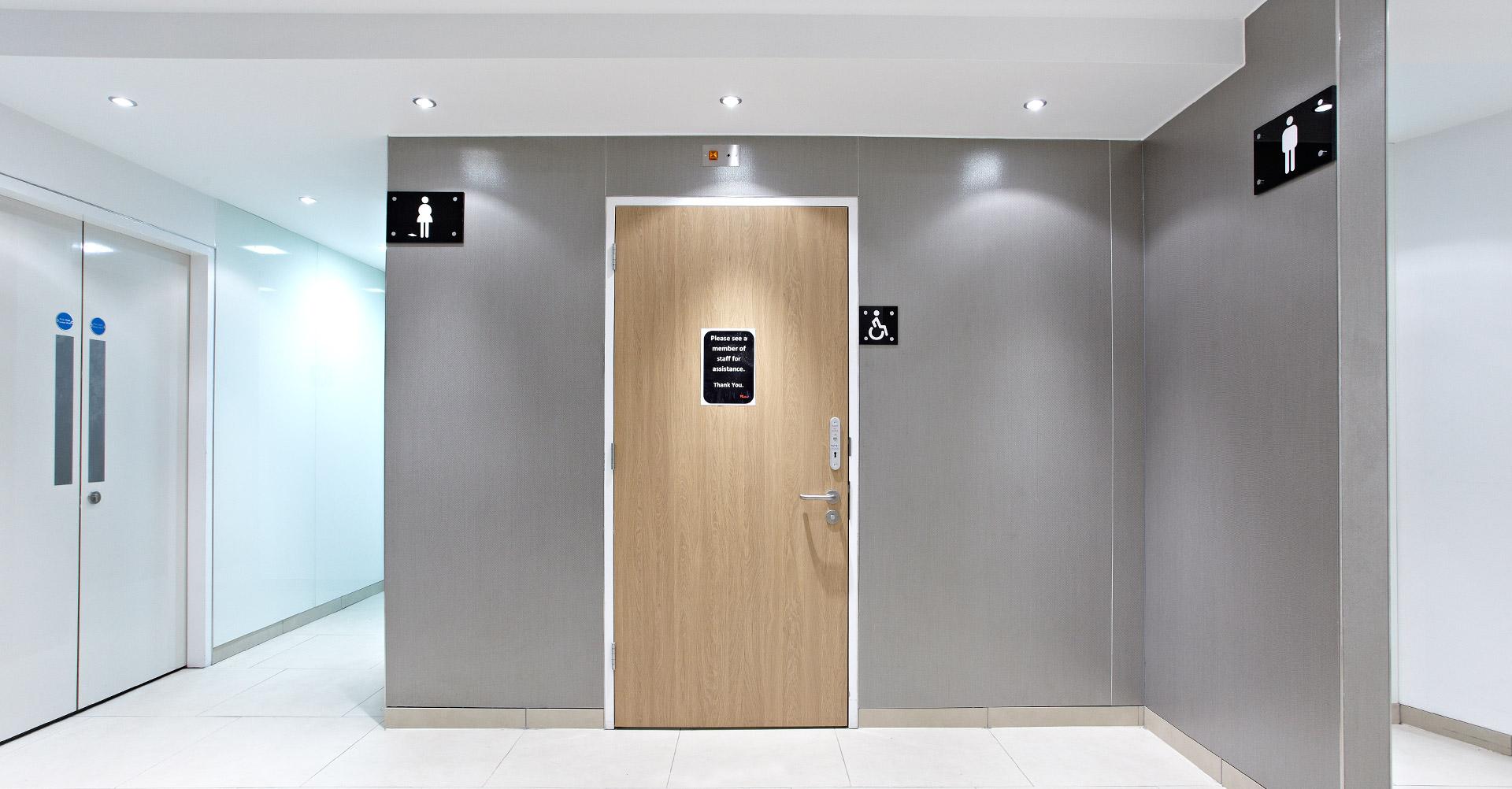 large-format-porcelain-wall-tiles