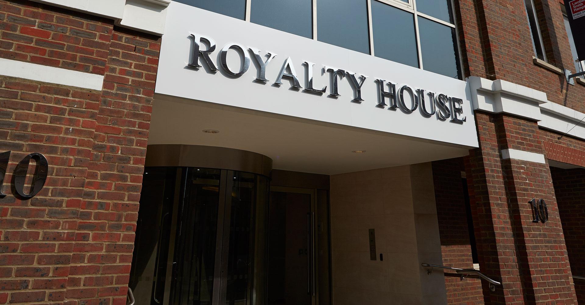 royalty-house-1