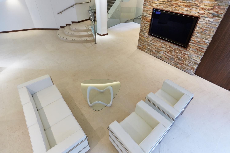 Royalty House – Reception Area – Kinorigo