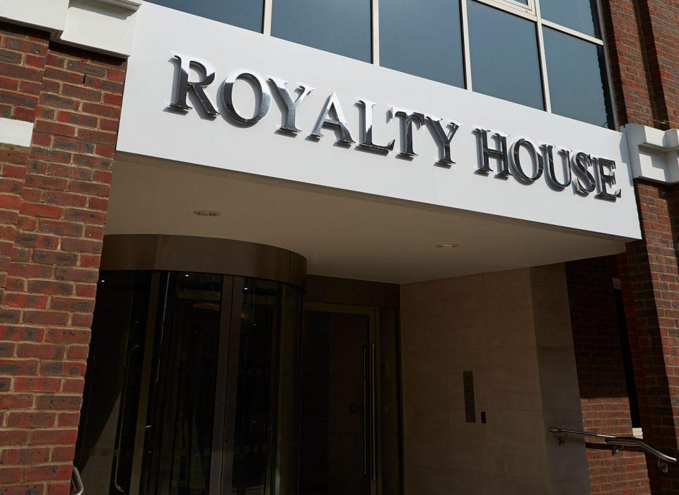 royalty-house-1-960×700