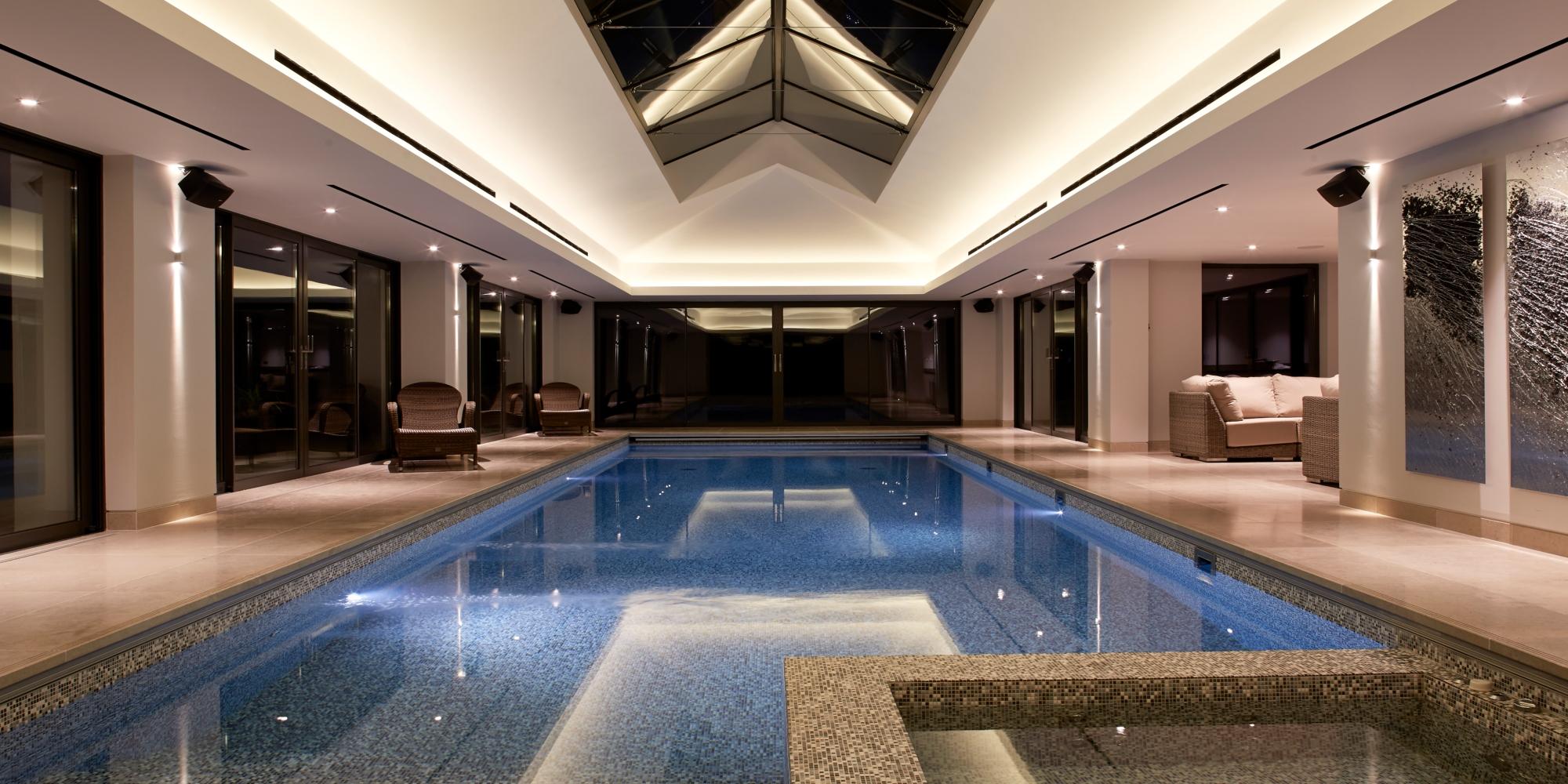 Top Image – the Pool House – Kinorigo