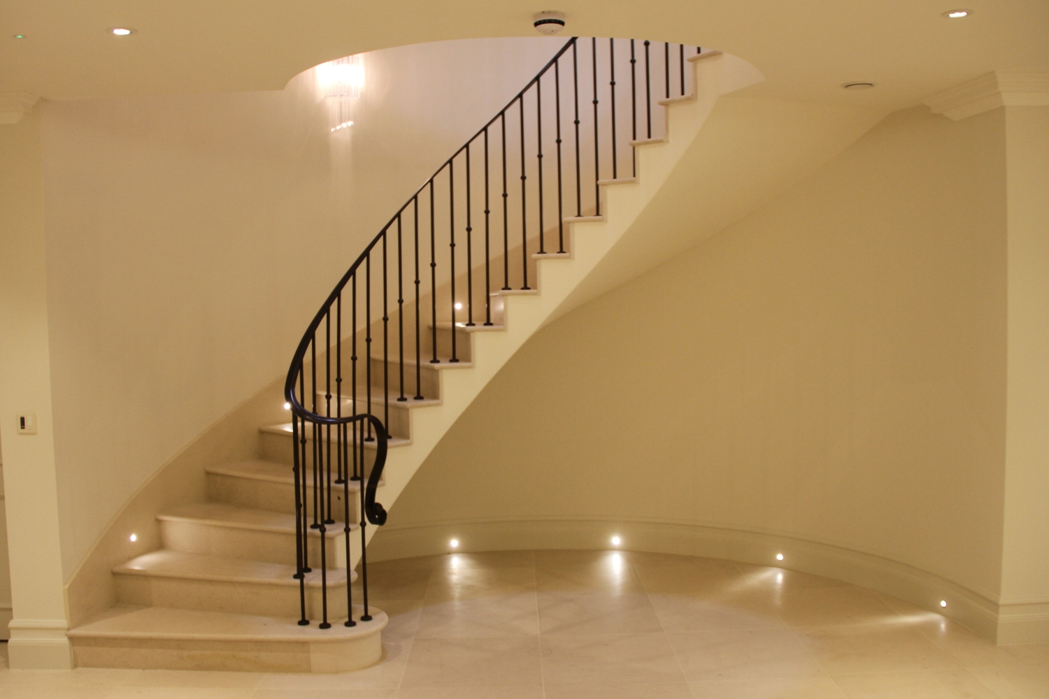 Moleanos Staircase – Waverton House – KInorigo
