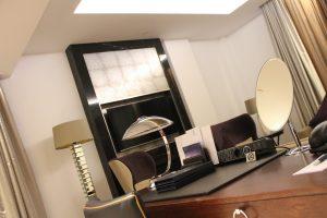 Sheraton-hotel-hotel-room-desk