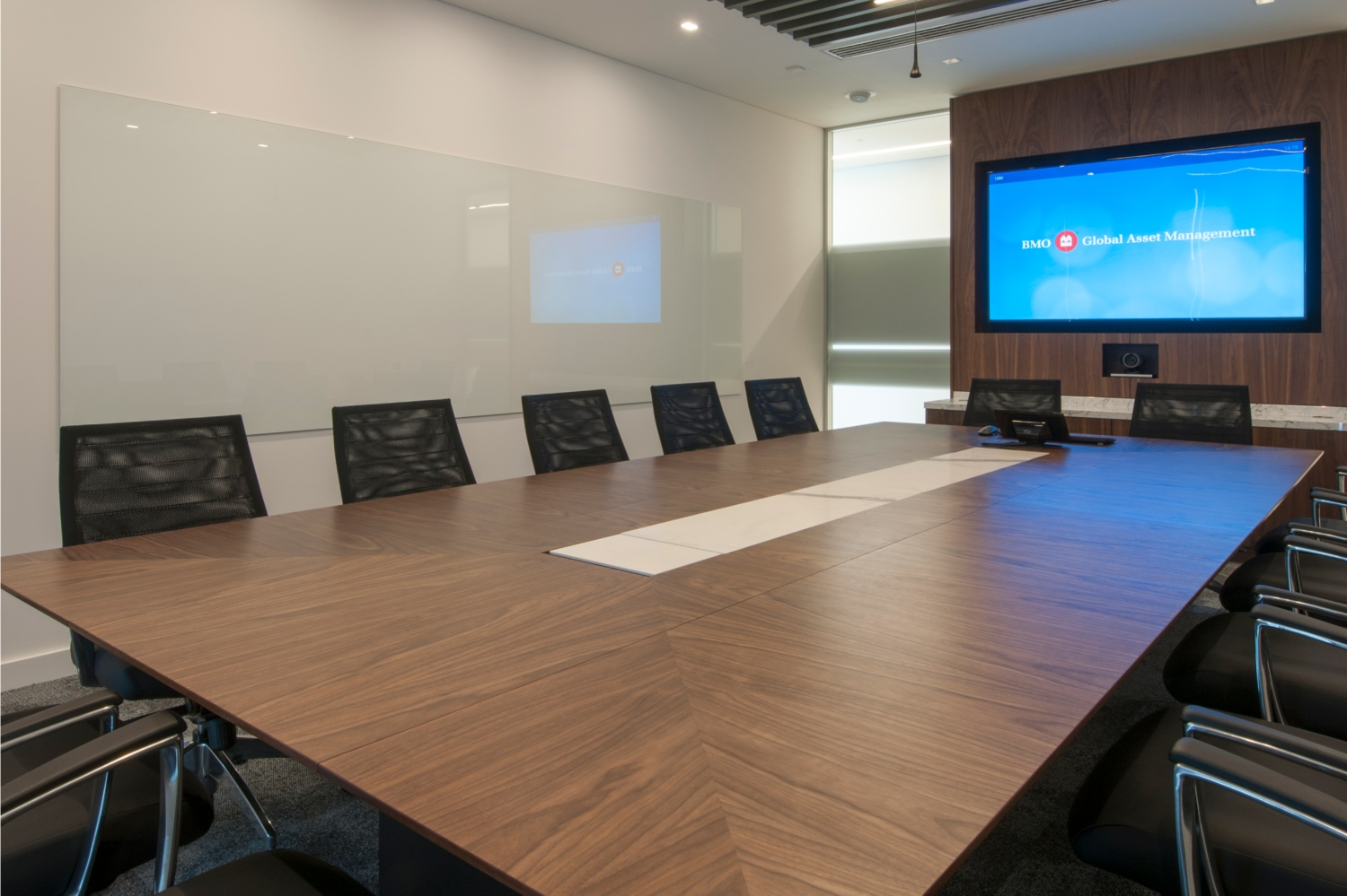 Bank of Montreal – Conference Table – Absolute Bianco – Kinorigo