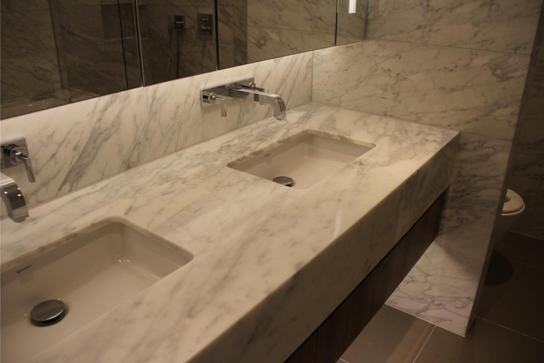Carrara Vanity – Kinorigo