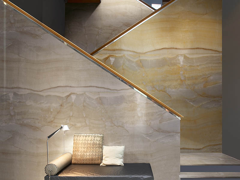 Absolute-Onyx-pearl-oro-large-format-porcelain-tiles-project-wall-cladding (2)