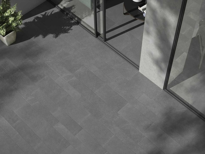Kinorigo – Aurora Silver – Inside to outside porcelain tiles