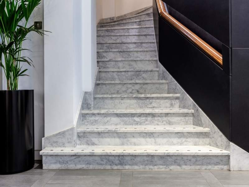 Kinorigo – Bianco Carrara Staircase – Throgmorton Street (2)