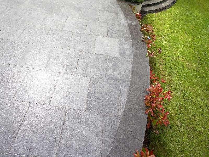 Kinorigo – Peppered Dark Granite