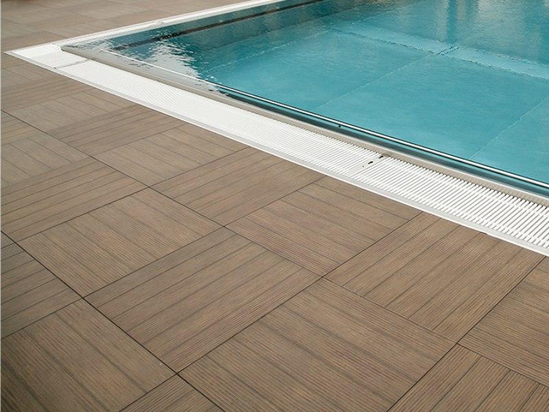 Piscina sfioro Residence wellness Riva Del Garda – Deck 2CM 1