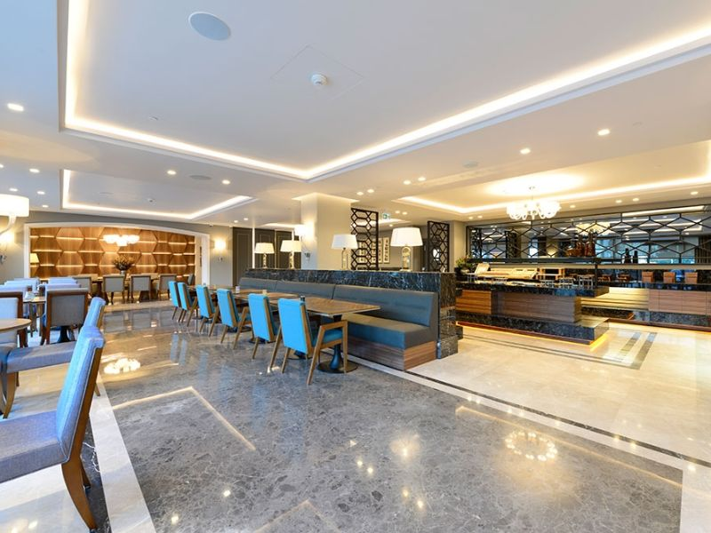 Kinorigo – Velez Bronze – Holiday Inn Hotel – Bursa (3)